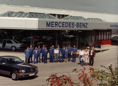 1988 Das Stehle-Team vor dem neuen Ausstellungsraum